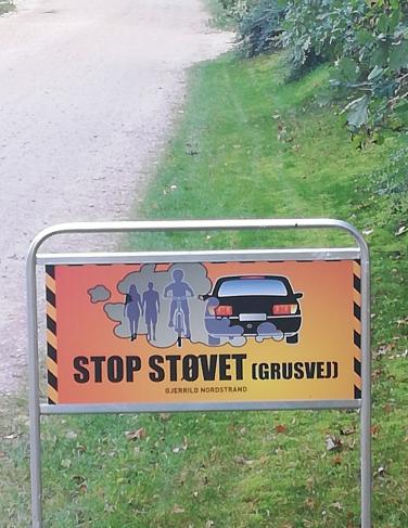 STOP STØVET – appel om at køre langsomt